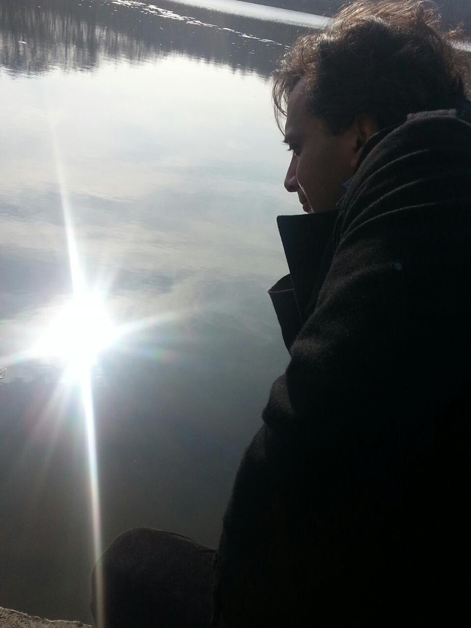 مجید اخشابی و انعکاس نور