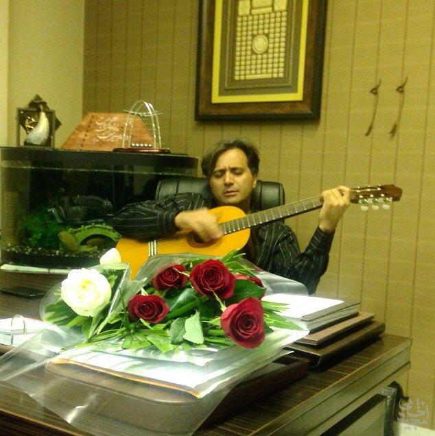 اجرای زیبای آهنگ نگران منی توسط مجید اخشابی