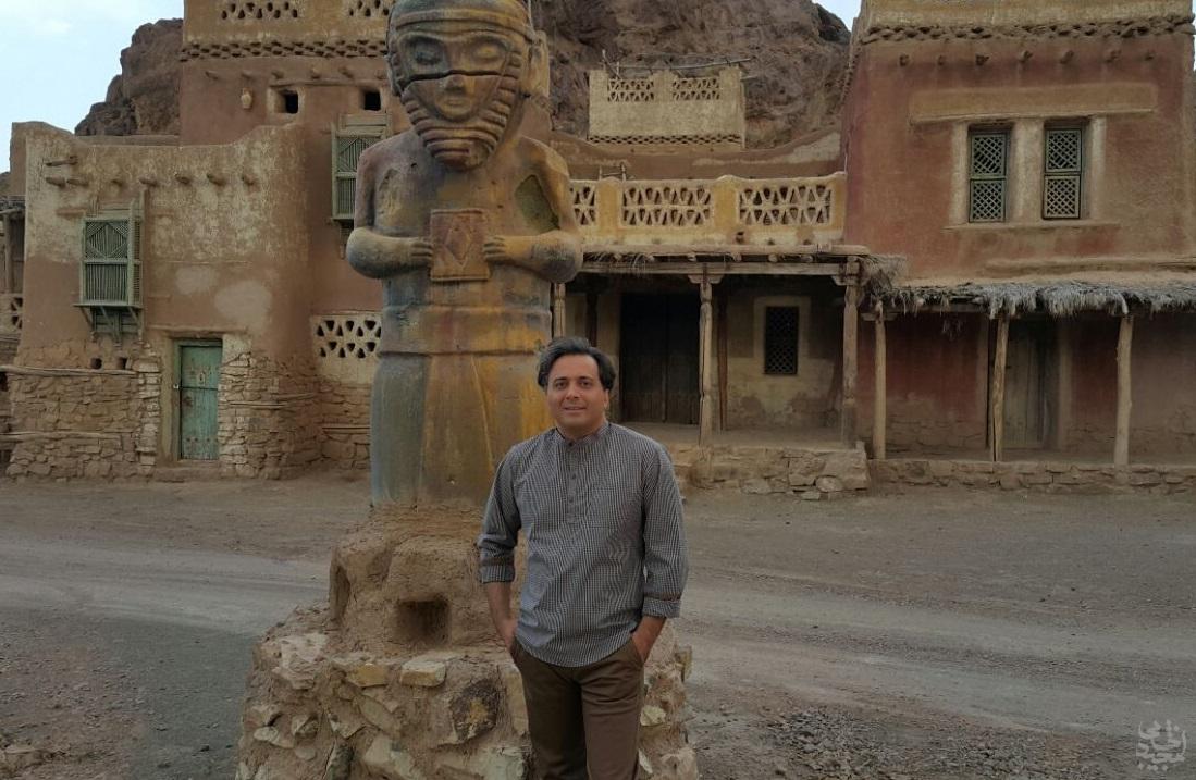 مجید اخشابی در شهرک سینمایی پیامبر اعظم هنگام ضبط کلیپ
