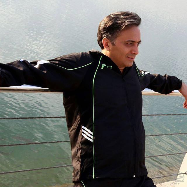 مجید اخشابی در سواحل دریاچه خلیج فارس