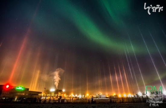 ستون هایی از جنس نور در آسمان