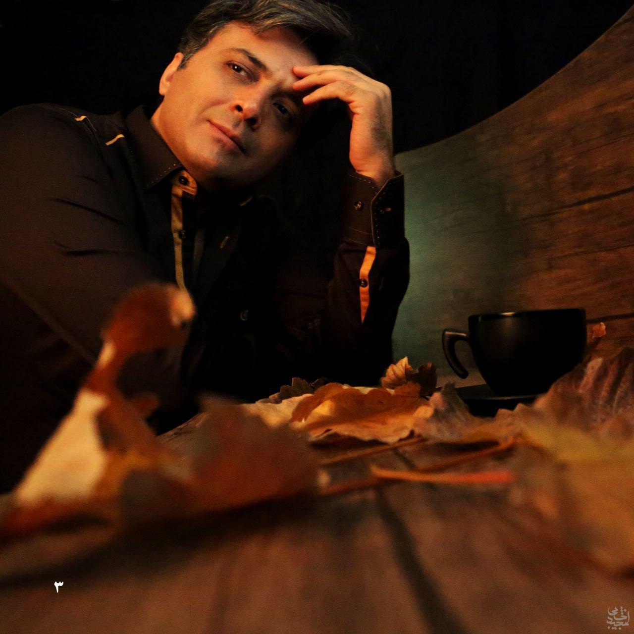 اجرای زنده قطعه شقایق توسط مجید اخشابی