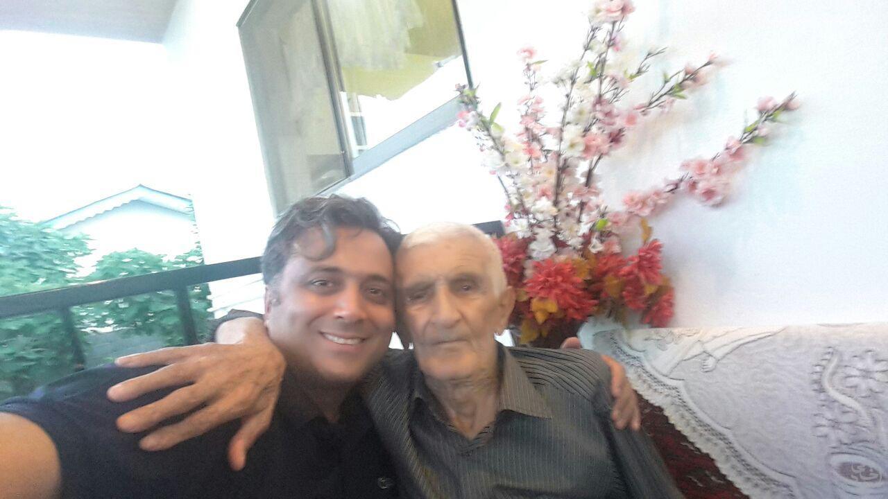 سلفی مجید اخشابی با عمو حسن