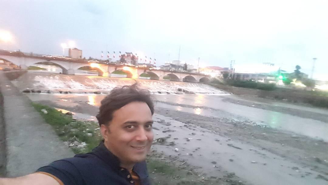 مجید اخشابی با پل آرزوهای کودکی