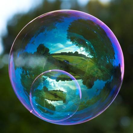 حباب های خیره کننده
