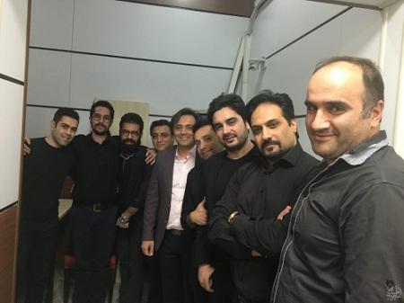 """اجرا زنده """"ای ایران"""" توسط مجید اخشابی با همراهی اعضای ارکستر مهرآوا"""