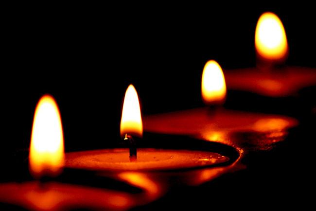 رادیو مهرآوا: شمع های روشن