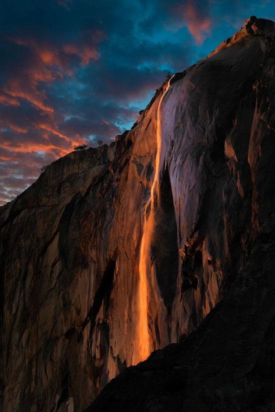 آبشار آتش، هنر نقاشی و جادوی طبیعت