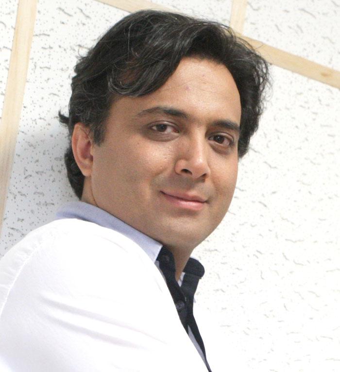 مصاحبه کوتاه با مجید اخشابی و اجرای زنده سیب گلاب