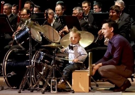 کلیپ درامر سه ساله به انتخاب مجید اخشابی