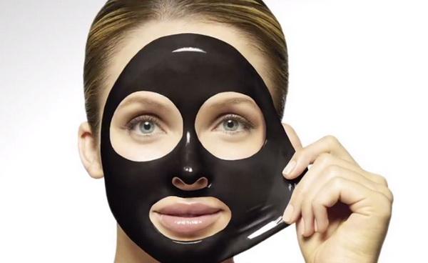 ماسک زغال خانگی و فواید آن