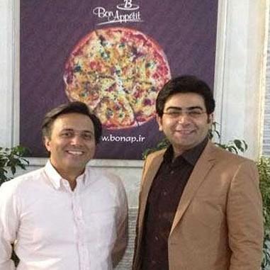 مصاحبه رادیویی فرزاد حسنی با مجید اخشابی