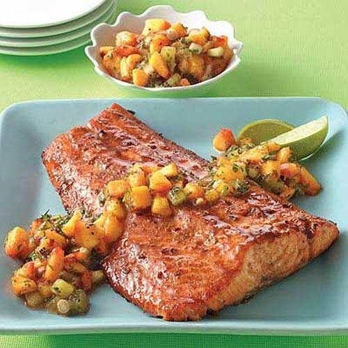 ماهی سالمون با سس سالسا