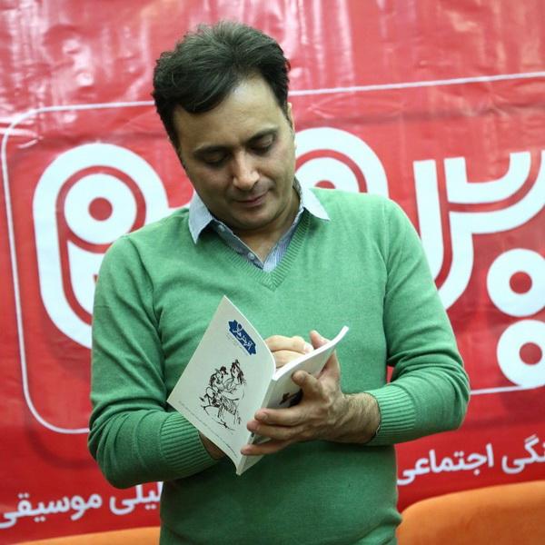 حضور مجید اخشابی در بیستوسومین نمایشگاه مطبوعات