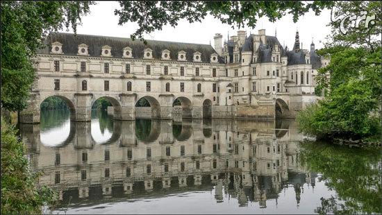 قلعه ای تاریخی روی رودخانه
