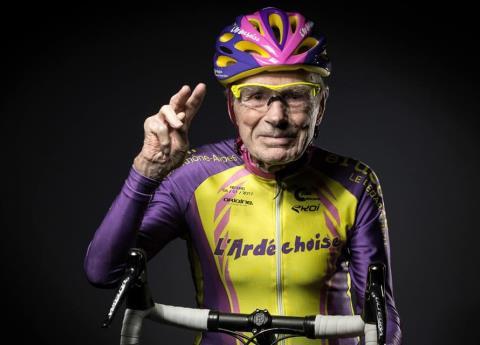 تندرستی به سبک زندگی این دوچرخهسوار ۱۰۵ ساله