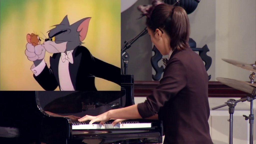 نوازندگی زیبای Yannie Tan با تقلید از گربه!
