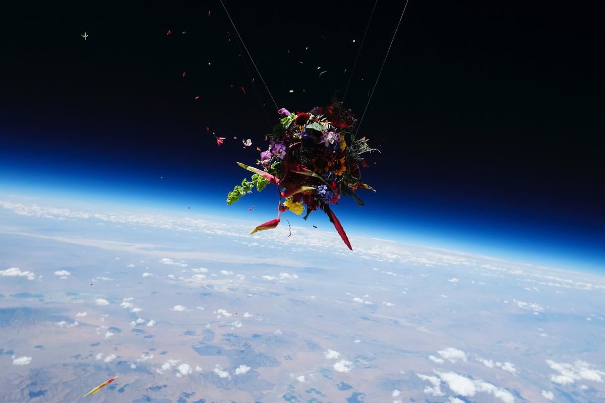 سبدهای گلی که به فضا صعود کردند!
