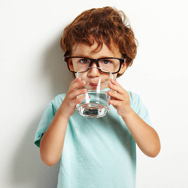 به امتحانش میارزد: فواید آب خوردن با معده خالی!