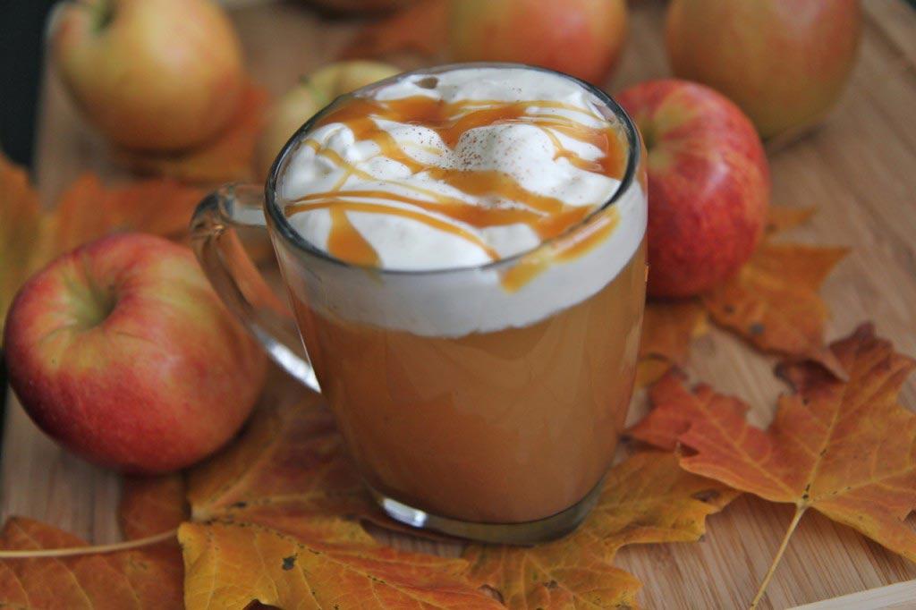 چای سیب کاراملی نوشیدنی گرمی برای خنکای پاییز