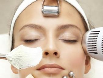 با این 4 گام پوست خود را تمیز و براق کنید