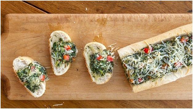 دیپ اسفناج با نان فرانسوی