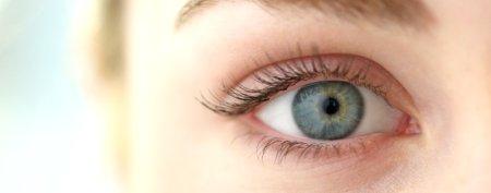 توصیههای خانگی برای زیبایی چشمها
