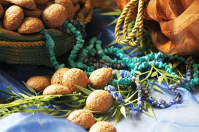 شیرینی گردویی مینیاتوری مناسب عید نوروز