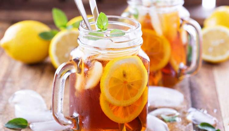 چای نوشیدن در گرما با انواع آیس تی