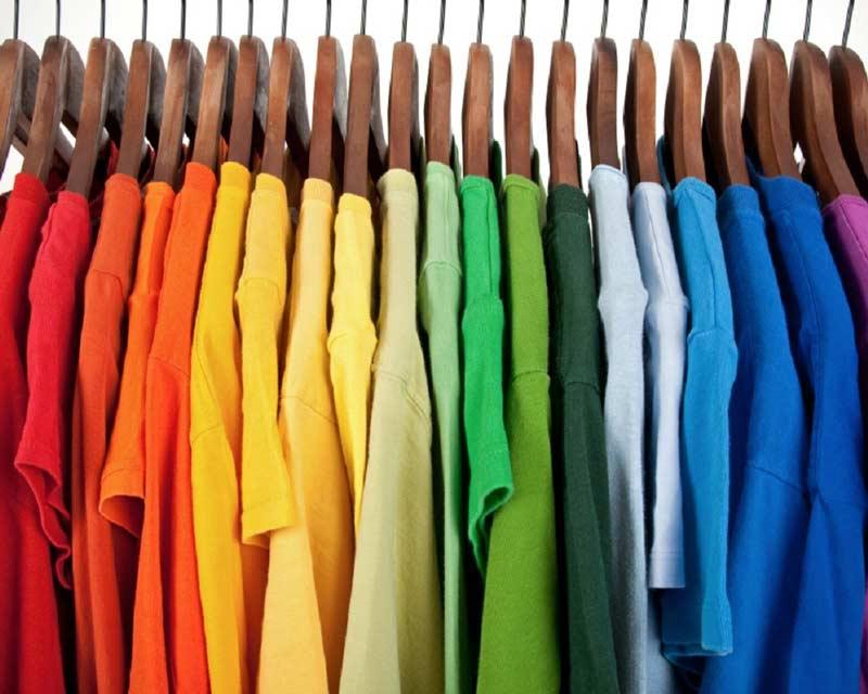 لباس چه رنگی به شما میآید؟