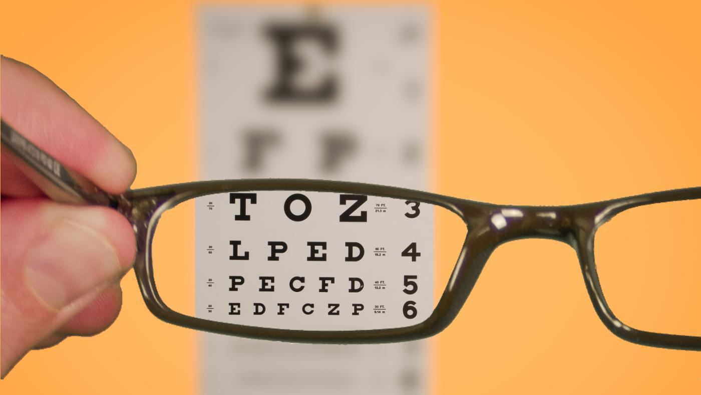 10 کار غلط که چشم تان را ضعیف می کند