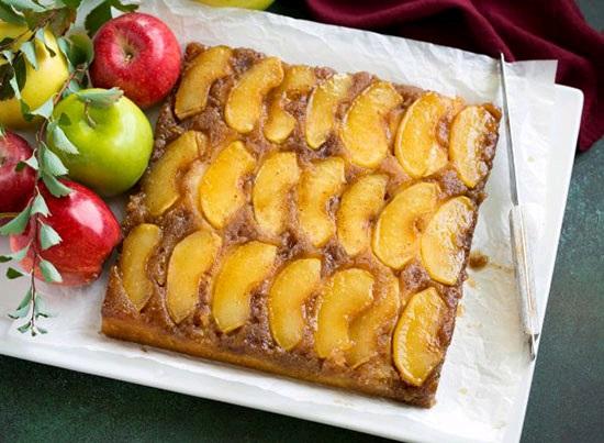 کیک سیب وارونه