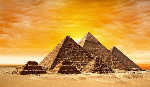 اهرام مصر را چه کسانی ساخته اند؟