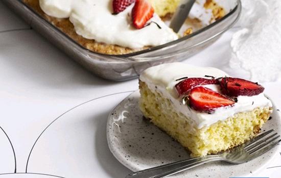 کیک سه شیر مکزیکی یا «ترس لچس» (Tres leches cake)