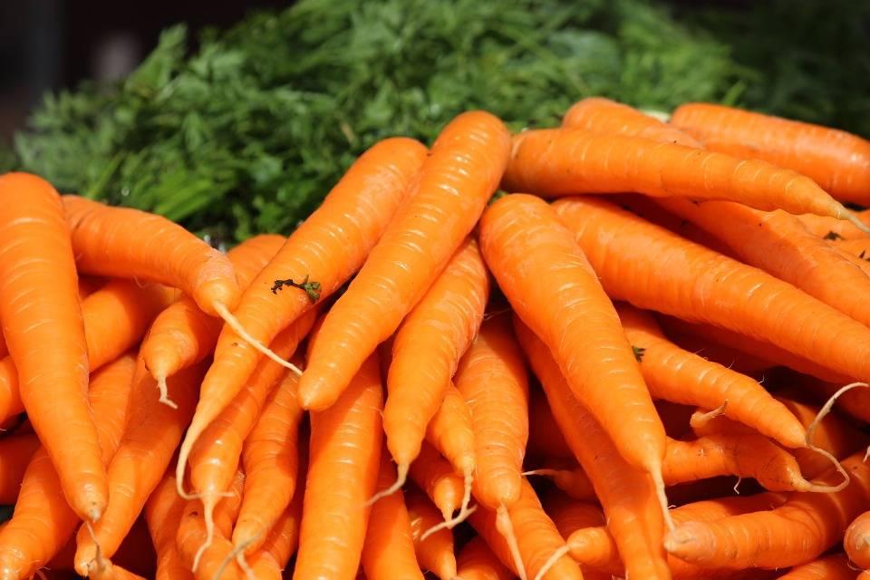 اثرات هویج بر روی پوست