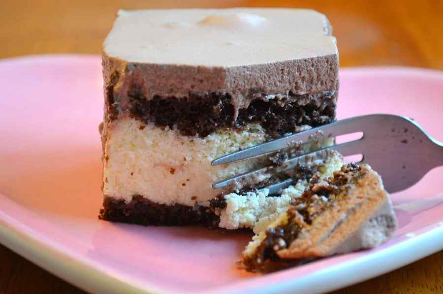 ویکتوریا کیک یا لاو کیک