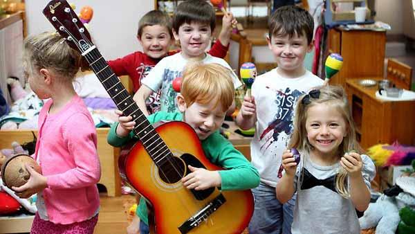 رابطه کودک با موسیقی