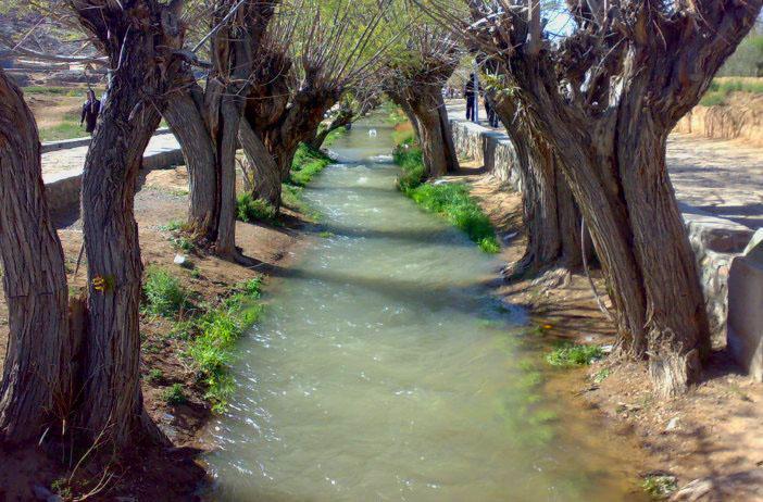 چشمه غربال بیز در مهریز
