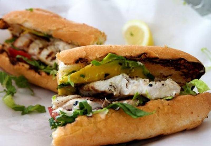 ساندويچ ماهی فست فود رژیمی