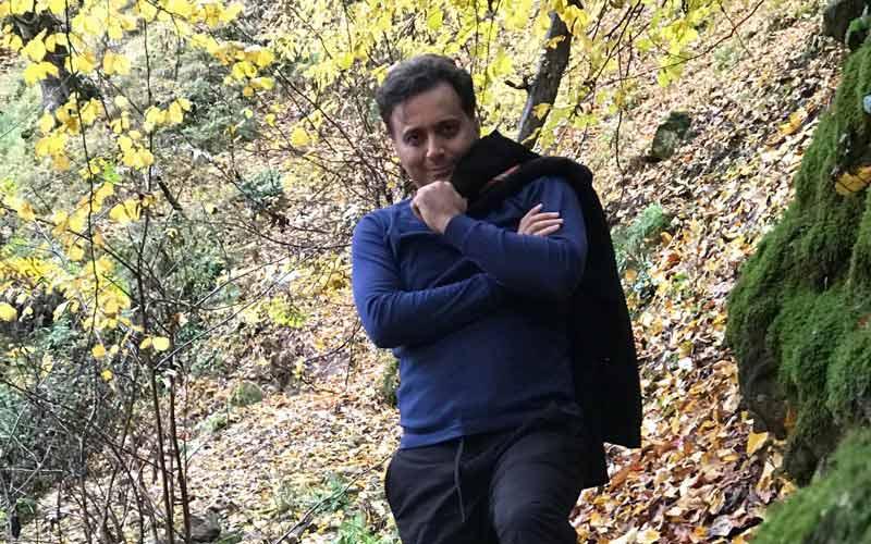 تبریک پاییزی دکتر مجید اخشابی به همراه شعری از سیدعلی صالحی
